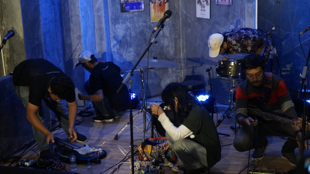 Peralihan Check Sound antarband di Konser Virtual HOOKSpace
